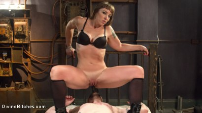Photo number 12 from Her Muscles, Her Pleasure shot for Divine Bitches on Kink.com. Featuring Mistress Kara and Mike Panic in hardcore BDSM & Fetish porn.