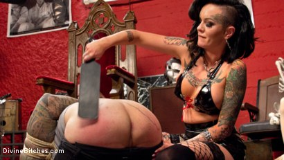 Photo number 2 from Punk Rock Foot Goddess: Mistress Lola Luscious shot for Divine Bitches on Kink.com. Featuring Lola Luscious and Ruckus in hardcore BDSM & Fetish porn.