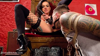 Photo number 1 from Punk Rock Foot Goddess: Mistress Lola Luscious shot for Divine Bitches on Kink.com. Featuring Lola Luscious and Ruckus in hardcore BDSM & Fetish porn.
