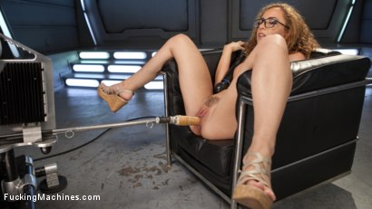 Photo number 15 from Tanned-Nubile-LA-Cum-Princess, Roxanne Rae Devours Fucking Machines!! shot for Fucking Machines on Kink.com. Featuring Roxanne Rae in hardcore BDSM & Fetish porn.