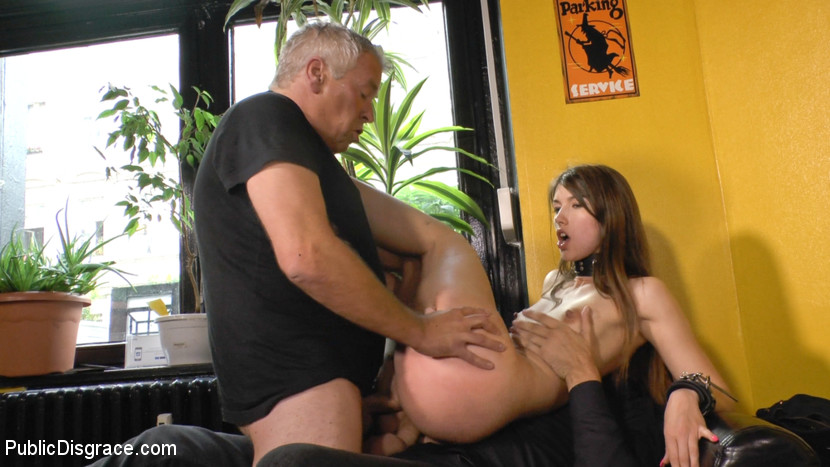 Anal whore serves mona wales for halloween orgy - 4 2
