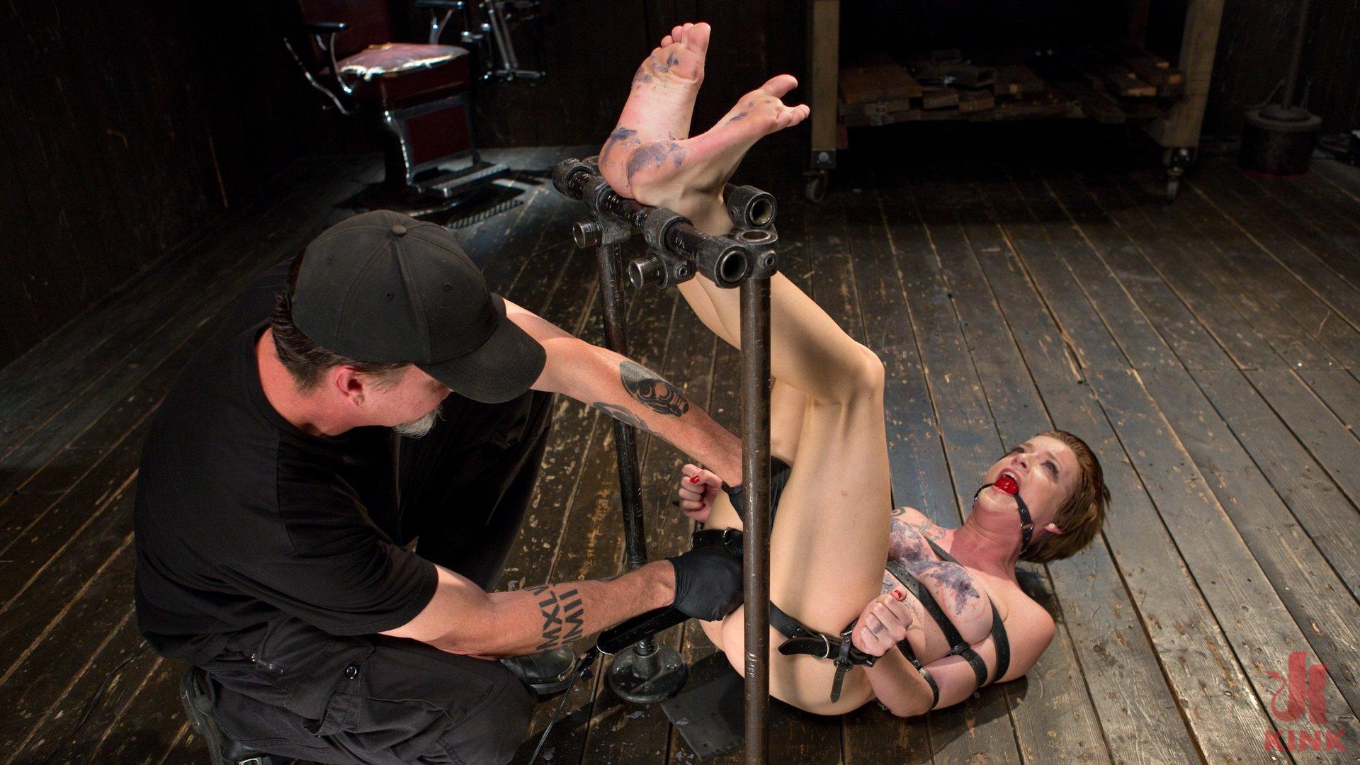 Photo number 11 from Slut Hole shot for Device Bondage on Kink.com. Featuring Jeze Belle in hardcore BDSM & Fetish porn.