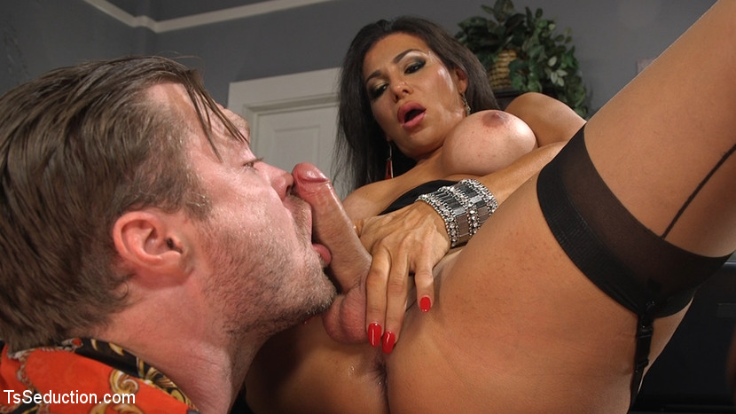 Dr treats horny pussy with a shave and hard cock - 3 5