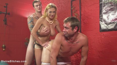 Photo number 4 from Cuckold Therapy shot for Divine Bitches on Kink.com. Featuring Dee Williams, John Jammen and Christian Wilde in hardcore BDSM & Fetish porn.