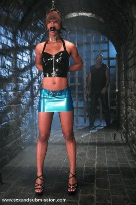 Young girl wieghtlifters in bikini