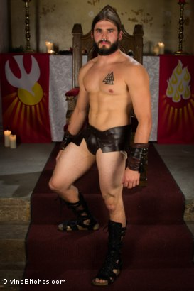 Photo number 1 from Divine Roman Holiday shot for Divine Bitches on Kink.com. Featuring Lorelei Lee and Nathan Bronson in hardcore BDSM & Fetish porn.