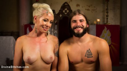 Photo number 7 from Divine Roman Holiday shot for divinebitches on Kink.com. Featuring Lorelei Lee and Nathan Bronson in hardcore BDSM & Fetish porn.