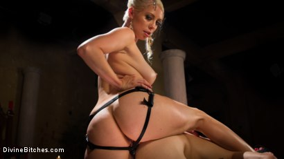 Photo number 10 from Divine Roman Holiday shot for divinebitches on Kink.com. Featuring Lorelei Lee and Nathan Bronson in hardcore BDSM & Fetish porn.