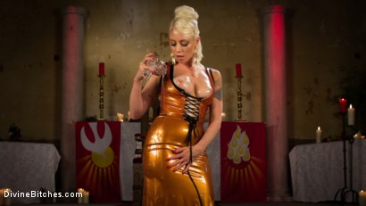 Photo number 2 from Divine Roman Holiday shot for divinebitches on Kink.com. Featuring Lorelei Lee and Nathan Bronson in hardcore BDSM & Fetish porn.