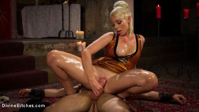 Photo number 11 from Divine Roman Holiday shot for divinebitches on Kink.com. Featuring Lorelei Lee and Nathan Bronson in hardcore BDSM & Fetish porn.