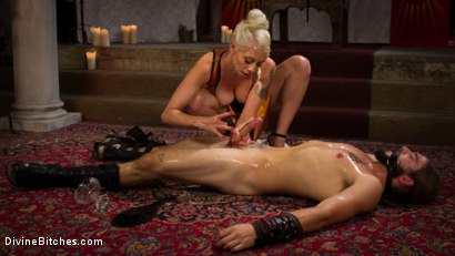 Photo number 14 from Divine Roman Holiday shot for Divine Bitches on Kink.com. Featuring Lorelei Lee and Nathan Explosion in hardcore BDSM & Fetish porn.