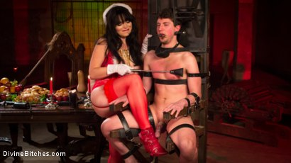 Photo number 2 from Merry Bitchmas! shot for Divine Bitches on Kink.com. Featuring Siouxsie Q and Grayson in hardcore BDSM & Fetish porn.