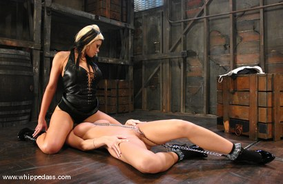 Photo number 7 from Sammie Rhodes and Gia Paloma shot for Whipped Ass on Kink.com. Featuring Gia Paloma and Sammie Rhodes in hardcore BDSM & Fetish porn.