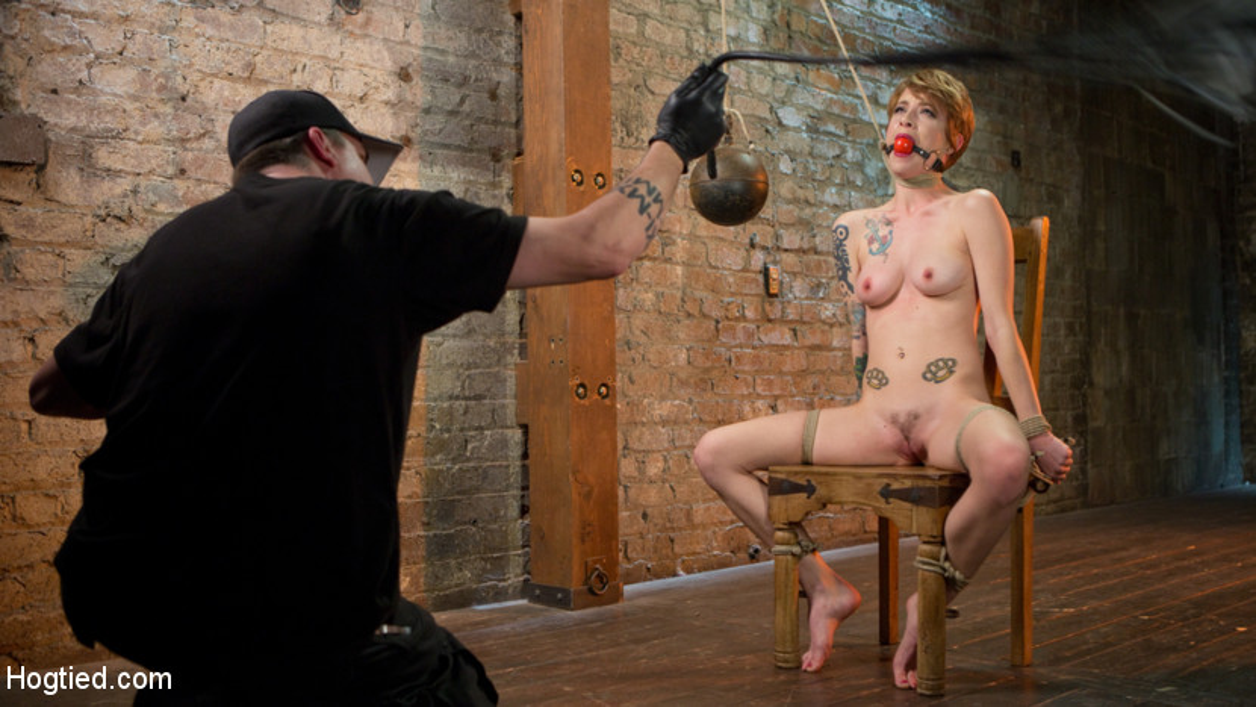 Alt bondage sex wired pussy