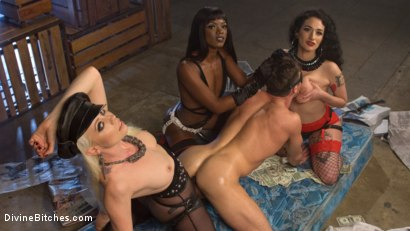Photo number 7 from City of Sin: Entitled John Brought Down a Peg shot for Divine Bitches on Kink.com. Featuring Lance Hart, Lorelei Lee, Arabelle Raphael and Ana Foxxx in hardcore BDSM & Fetish porn.