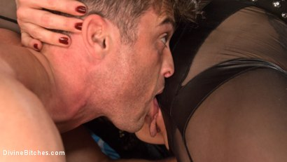 Photo number 13 from City of Sin: Entitled John Brought Down a Peg shot for Divine Bitches on Kink.com. Featuring Lance Hart, Lorelei Lee, Arabelle Raphael and Ana Foxxx in hardcore BDSM & Fetish porn.