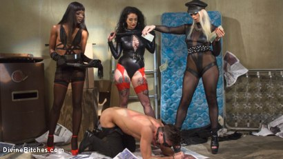 Photo number 21 from City of Sin: Entitled John Brought Down a Peg shot for Divine Bitches on Kink.com. Featuring Lance Hart, Lorelei Lee, Arabelle Raphael and Ana Foxxx in hardcore BDSM & Fetish porn.