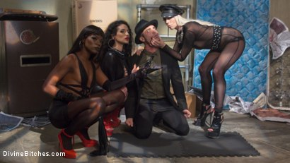 Photo number 23 from City of Sin: Entitled John Brought Down a Peg shot for Divine Bitches on Kink.com. Featuring Lance Hart, Lorelei Lee, Arabelle Raphael and Ana Foxxx in hardcore BDSM & Fetish porn.