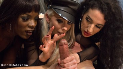 Photo number 1 from City of Sin: Entitled John Brought Down a Peg shot for Divine Bitches on Kink.com. Featuring Lance Hart, Lorelei Lee, Arabelle Raphael and Ana Foxxx in hardcore BDSM & Fetish porn.