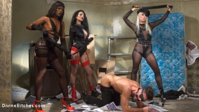 Photo number 4 from City of Sin: Entitled John Brought Down a Peg shot for Divine Bitches on Kink.com. Featuring Lance Hart, Lorelei Lee, Arabelle Raphael and Ana Foxxx in hardcore BDSM & Fetish porn.