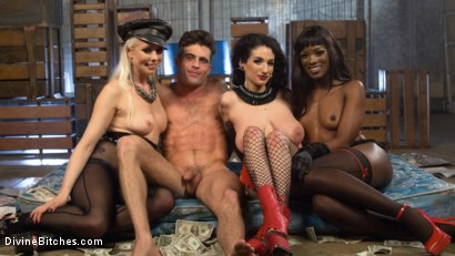 Photo number 9 from City of Sin: Entitled John Brought Down a Peg shot for Divine Bitches on Kink.com. Featuring Lance Hart, Lorelei Lee, Arabelle Raphael and Ana Foxxx in hardcore BDSM & Fetish porn.