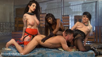 Photo number 14 from City of Sin: Entitled John Brought Down a Peg shot for Divine Bitches on Kink.com. Featuring Lance Hart, Lorelei Lee, Arabelle Raphael and Ana Foxxx in hardcore BDSM & Fetish porn.