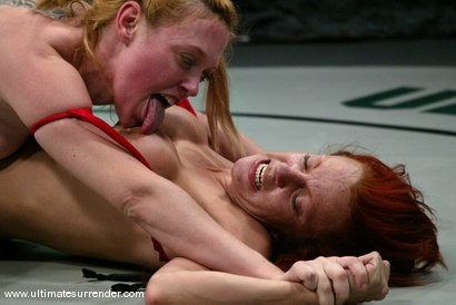 Photo number 5 from The Grappler(0-0)<br>The Green Machine(0-0) shot for Ultimate Surrender on Kink.com. Featuring Dee Williams and Shannon Kelly in hardcore BDSM & Fetish porn.