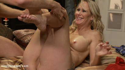 Photo number 6 from How to Seduce a MILF shot for Kink University on Kink.com. Featuring Simone Sonay and Michael Vegas in hardcore BDSM & Fetish porn.