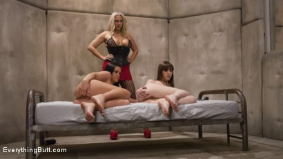 Photo number 1 from Curse of the Fisted Sister Kink Halloween Spooktacular shot for Everything Butt on Kink.com. Featuring Angel Allwood, Roxy Raye and Alexa Nova in hardcore BDSM & Fetish porn.