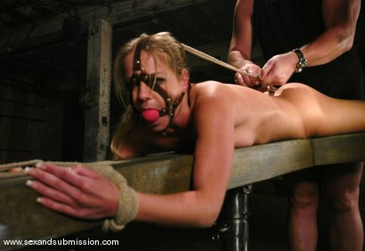 Photo number 8 from Sarah Sunn shot for Sex And Submission on Kink.com. Featuring Mark Davis and Sarah Sunn in hardcore BDSM & Fetish porn.