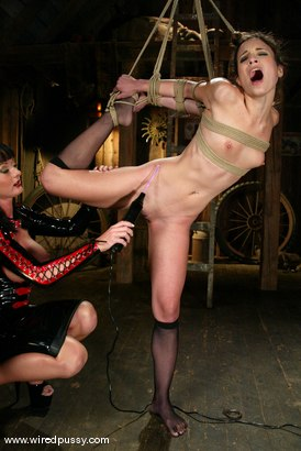 Photo number 6 from Melissa Lauren and Amber Rayne shot for Wired Pussy on Kink.com. Featuring Melissa Lauren and Amber Rayne in hardcore BDSM & Fetish porn.