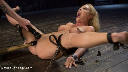 Photo number 9 from Fight or Flight = The Bitch That Broke Everything shot for Device Bondage on Kink.com. Featuring Cherie Deville and The Pope in hardcore BDSM & Fetish porn.