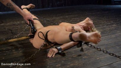 Photo number 10 from Fight or Flight = The Bitch That Broke Everything shot for Device Bondage on Kink.com. Featuring Cherie Deville and The Pope in hardcore BDSM & Fetish porn.