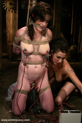 Photo number 4 from Stacey Stax and Princess Donna Dolore shot for Wired Pussy on Kink.com. Featuring Stacey Stax and Princess Donna Dolore in hardcore BDSM & Fetish porn.