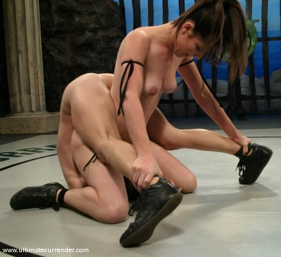 Photo number 5 from The Killer (1-1)<br>Rogue (0-0) shot for Ultimate Surrender on Kink.com. Featuring Bobbi Starr and Amber Rayne in hardcore BDSM & Fetish porn.