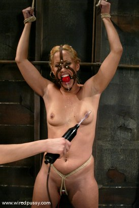 Photo number 13 from Isis Love shot for Wired Pussy on Kink.com. Featuring Isis Love in hardcore BDSM & Fetish porn.