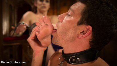 Photo number 11 from Birthday Surprise Divine Bitches Style! shot for Divine Bitches on Kink.com. Featuring Reed Jameson and Bella Rossi in hardcore BDSM & Fetish porn.