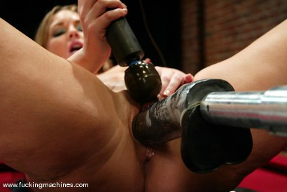 Photo number 14 from Flower Tucci shot for Fucking Machines on Kink.com. Featuring Flower Tucci in hardcore BDSM & Fetish porn.