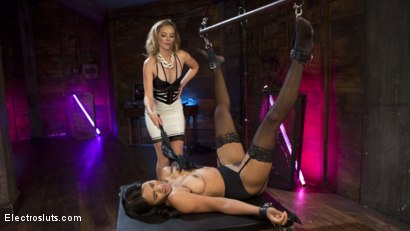 Photo number 12 from Lesbian Electro Fear Play shot for Electro Sluts on Kink.com. Featuring Mona Wales and Jenna Foxx in hardcore BDSM & Fetish porn.