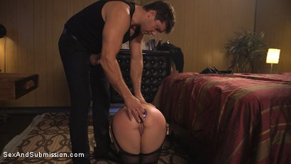 Photo number 4 from The Favorite Whore shot for Sex And Submission on Kink.com. Featuring Ramon Nomar and Tori Avano in hardcore BDSM & Fetish porn.