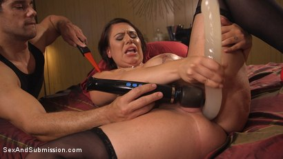 Photo number 10 from The Favorite Whore shot for Sex And Submission on Kink.com. Featuring Ramon Nomar and Tori Avano in hardcore BDSM & Fetish porn.