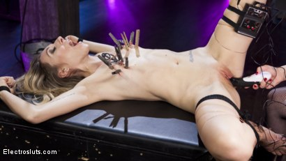 Photo number 2 from Electroslut Emma Haize Returns! shot for Electro Sluts on Kink.com. Featuring Aiden Starr and Emma Haize in hardcore BDSM & Fetish porn.