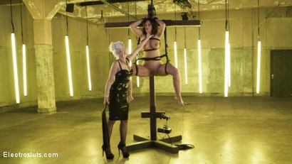 Photo number 13 from Desperate Slut Syren de Mer Begs to be Electro Fucked and Fisted shot for Electro Sluts on Kink.com. Featuring Lorelei Lee and Syren de Mer in hardcore BDSM & Fetish porn.