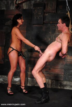 Photo number 9 from Sandra Romain and Wild Bill shot for Men In Pain on Kink.com. Featuring Sandra Romain and Wild Bill in hardcore BDSM & Fetish porn.