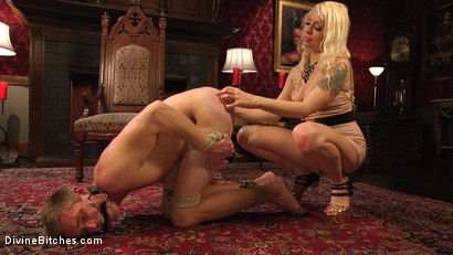 Photo number 7 from Lorelei Lee's Pleasure of the Divine Bitches shot for Divine Bitches on Kink.com. Featuring Lorelei Lee and Zane Anders in hardcore BDSM & Fetish porn.