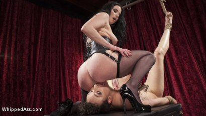 Photo number 7 from Beat, Fisted, and Fucked!: Lilith Luxe submits to Veruca James shot for Whipped Ass on Kink.com. Featuring Veruca James and Lilith Luxe in hardcore BDSM & Fetish porn.