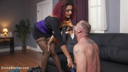 Photo number 1 from Drown in my squirt, slaveboy! shot for Divine Bitches on Kink.com. Featuring D. Arclyte and Daisy Ducati in hardcore BDSM & Fetish porn.