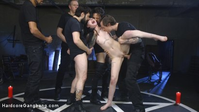 Photo number 7 from Psycho Bitch Gangbang shot for Hardcore Gangbang on Kink.com. Featuring Charlotte Sartre, Tommy Pistol, Owen Gray, Small Hands, Mark Wood and Mickey Mod in hardcore BDSM & Fetish porn.