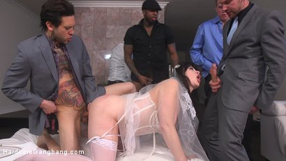 Photo number 4 from The Red Bride shot for Hardcore Gangbang on Kink.com. Featuring Siouxsie Q, Tommy Pistol, Jon Jon, Small Hands, Mark Wood and Will Havoc in hardcore BDSM & Fetish porn.