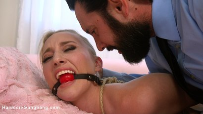 Photo number 1 from Desperate To Deal shot for Hardcore Gangbang on Kink.com. Featuring Riley Reyes, Tommy Pistol, Damon Dice, Small Hands, Will Havoc and Tarzan in hardcore BDSM & Fetish porn.